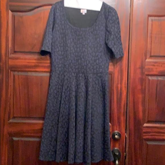 LuLaRoe Dresses & Skirts - Lularoe Nicole Dress